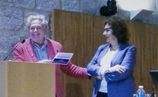 La UGR homenajea a la doctora Roser Juanola Terradellas, primera catedrática de Didáctica de la Expresión Plástica en España