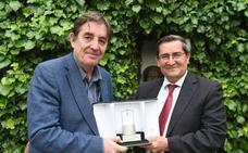 Luis García Montero, un pozo con fondo