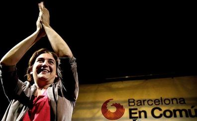Colau se postula como candidata a la alcaldía de Barcelona con los votos del PSC y Valls