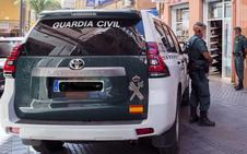 Extrae más de 11.000 euros de la cartilla de una mujer que perdió el bolso en Granada