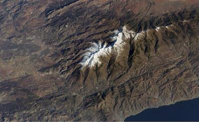 La NASA libera su archivo fotográfico con una espectacular vista de Sierra Nevada