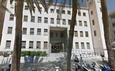 Se enfrenta a siete años de cárcel por cobrar la pensión de su madre muerta en Almería