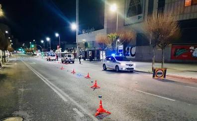 Le multan por beber, se lleva la grúa su coche y da las gracias a la Policía por ello