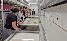 La Alhambra muestra sus «otras joyas» con motivo del Día Internacional de los Archivos