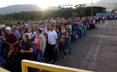 Maduro reabre el paso fronterizo con Colombia