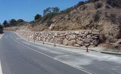 Una escollera acabará con los desprendimientos de Bahía Alta hasta El Alquián