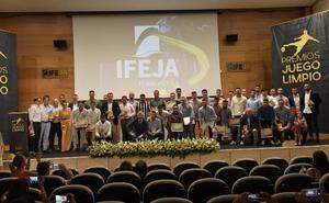 La entrega de los Premios 'Juego Limpio' supone una nueva fiesta del fútbol provincial