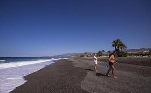 Playa Granada no necesitará este verano una regeneración de arena