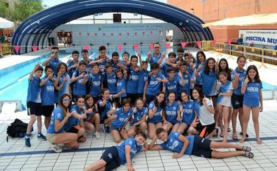 El CDU Granada domina la final del Circuito Provincial de Jóvenes Nadadores