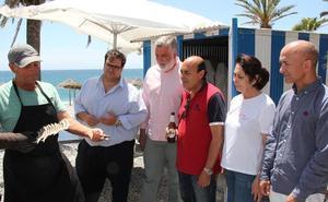 Espeto y bebida a 5 euros para promocionar los chiringuitos de Almuñécar