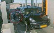 La Policía alerta del timo del «pincha-ruedas» en las autopistas y autovías de España