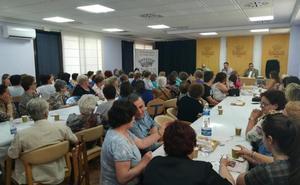 El primer café literario del Condado con 'Los hijos del sol'