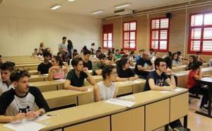Así es el polémico examen de Matemáticas en la Selectividad de Andalucía: ¿podrías resolverlo?