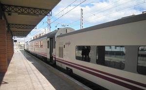 Retraso en el Talgo Madrid-Almería por «indisposición de un viajero»