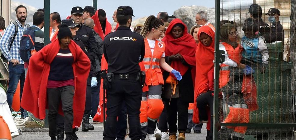 Policía Nacional crea una unidad para la custodia de inmigrantes en Almería