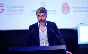 Enríquez: «El papel de las redes y los medios de comunicación es diferente»