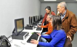 El nuevo CAPI del Polígono del Valle desarrolla actividades que acercan las TIC al barrio