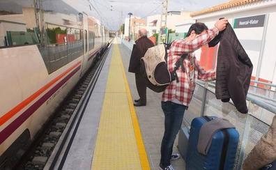 Renfe pondrá dos máquinas a cada Talgo de Almería por si hay averías