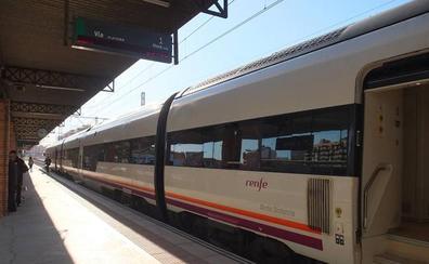 La Mesa del Ferrocarril de Almería convoca una concentración el 27
