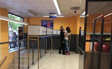 Un robo en un Mercadona de Granada moviliza a media docena de policías nacionales