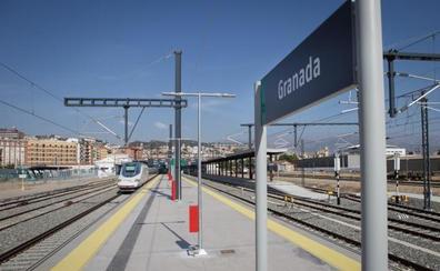 Alternativas al AVE a Granada: ¿cuánto dura y cuánto cuesta el mismo viaje en autobús, coche y avión?