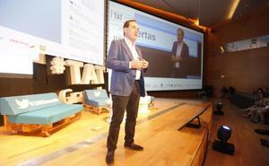 Huertas: «Los directivos de las grandes empresas también somos humanos y lo demostramos en Twitter»