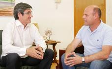 Vox y Ciudadanos apuntalan el extenso poder municipal del PP con gobiernos de coalición
