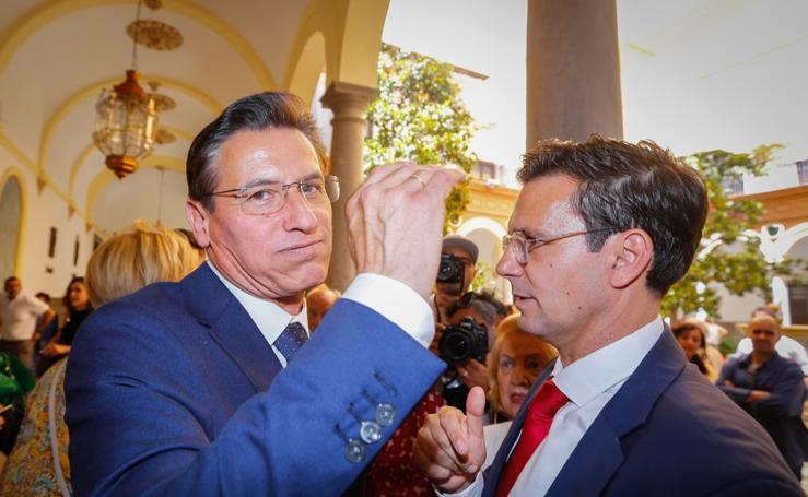 Así ha sido la sesión de investidura y constitución del Ayuntamiento de Granada