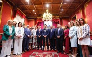 PP, Ciudadanos y Vox hacen alcalde «del cambio» a Luis Salvador