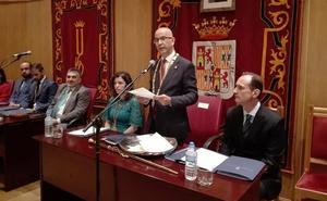 Manuel Gil (PSOE) seguirá como alcalde de Santa Fe con mayoría simple