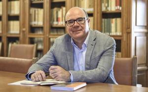 Pedro Mercado, la mano derecha de la rectora, un docente con la UGR en su cabeza