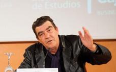 «La democracia es cada vez más pequeña: ¿Para qué votamos en nuestro pueblo si al final el alcalde se decide en Madrid?»