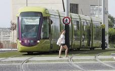 El alcalde traslada al presidente de la Junta su disposición a retomar el convenio del tranvía de Jaén