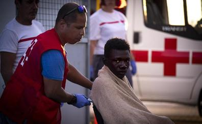Llegan a Motril 21 de los inmigrantes que viajaban con otros 22 desaparecidos