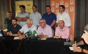 La incertidumbre por el precio del aceite 'rompe' al sector y lleva a manifestarse en Sevilla y Madrid