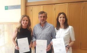 Cruz, Escobar y López, los diputados del PP en Berja
