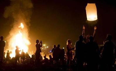 Fuego, música y rituales para vivir la noche mágica de San Juan en la Costa Tropical