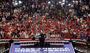 Trump moviliza a sus seguidores en Orlando para compensar el voto puertorriqueño