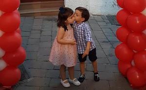 Mojácar y Níjar celebran la noche más romántica y el beso más bonito
