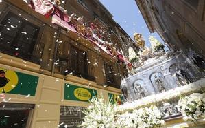 El Corpus engalana Granada