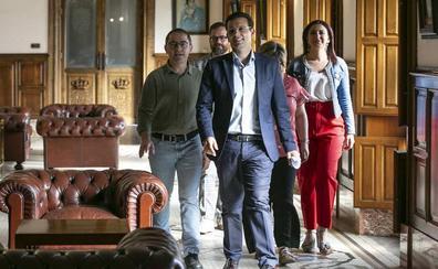 PSOE y Podemos IU culpan al nuevo gobierno de la «parálisis» del Ayuntamiento de Granada