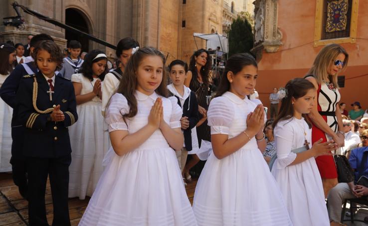 Granada se vuelve a reencontrar con la Custodia