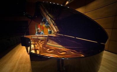 El piano 'granadino' más grande del mundo