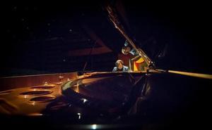 Así suena el piano más grande del mundo en manos de uno de los mejores concertistas de España