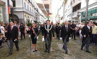 Los concejales de Vox no participan en la procesión del Corpus por su desacuerdo con el «intercambio de cromos» de PP y Cs