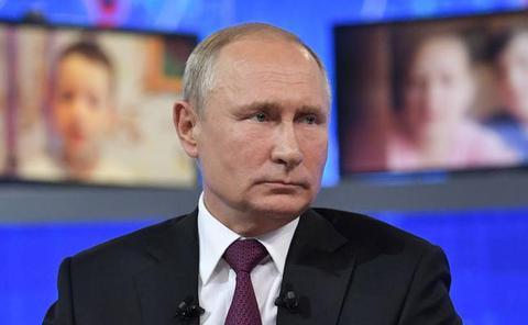 Putin repite su ritual televisivo anual de pasarse más de cuatro horas respondiendo a preguntas
