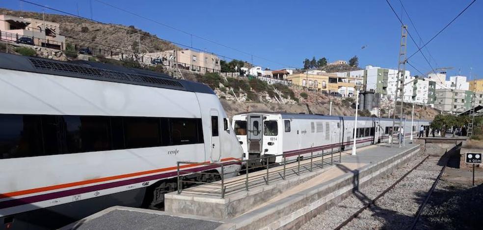 El tren Almería-Madrid sufre una demora de 90 minutos