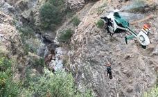 Así ha sido el rescate de los cuerpos del padre e hijo fallecidos en Órgiva
