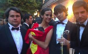 Victoria Federica se viste de rojo en su puesta de largo