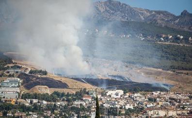 Infoca da por extinguido el incendio en Cájar